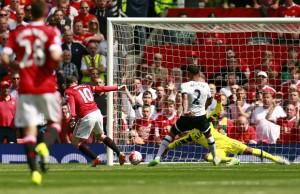 Kyle Walker's own goal gave Manchester United a 1-0 win