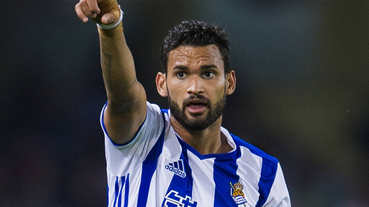 Real Sociedad striker Willian Jose in action. (Getty Images)