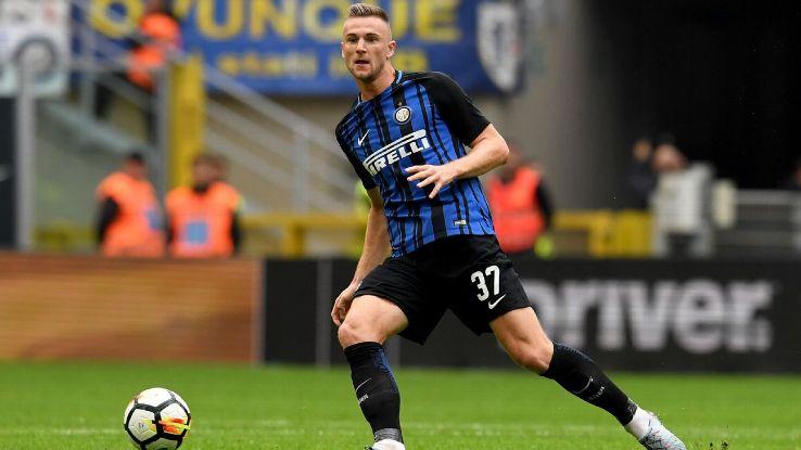 Skriniar playing for Inter Milan.
