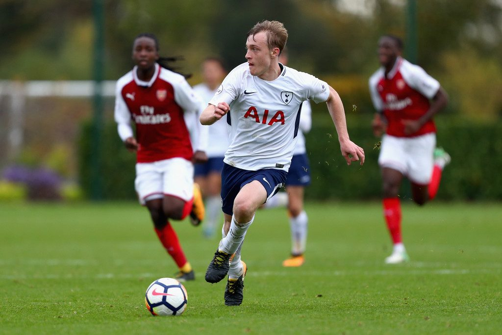 Oliver Skipp playing for Tottenham's youth side.