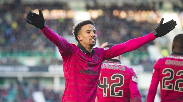 Scott Sinclair acknowledges the Celtic fans after scoring. (Getty Images)