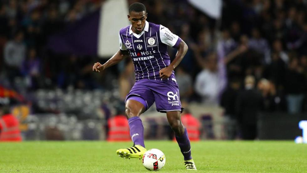 Issa Diop in action for Toulouse. (Getty Images)