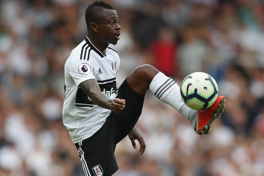 Fulham midfielder Jean Michael Seri controls the ball. (Getty Images)