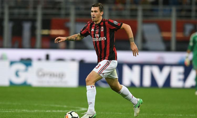 AC Milan defender Alessio Romagnoli in action. (Getty Images