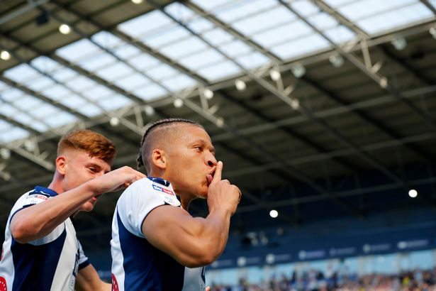 Dwight Gayle spent the 2018/19 season on loan at West Brom. (Getty Images)