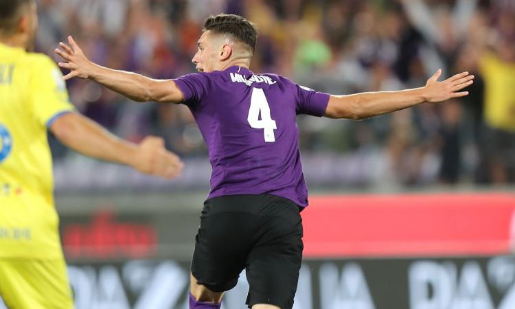 Nikola Milenkovic celebrates after scoring for Fiorentina. (Getty Images)