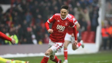 Joe Lolley in action for Nottingham Forest. (Getty Images)