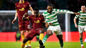 Celtic's Olivier Ntcham fights for the ball. (Getty Images)