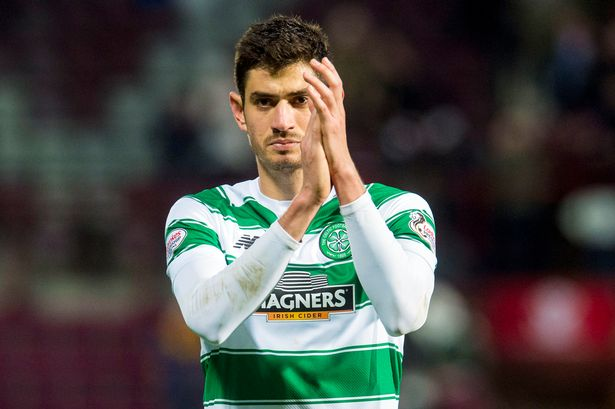 Celtic midfielder Nir Bitton applauds the fans. (Getty Images)