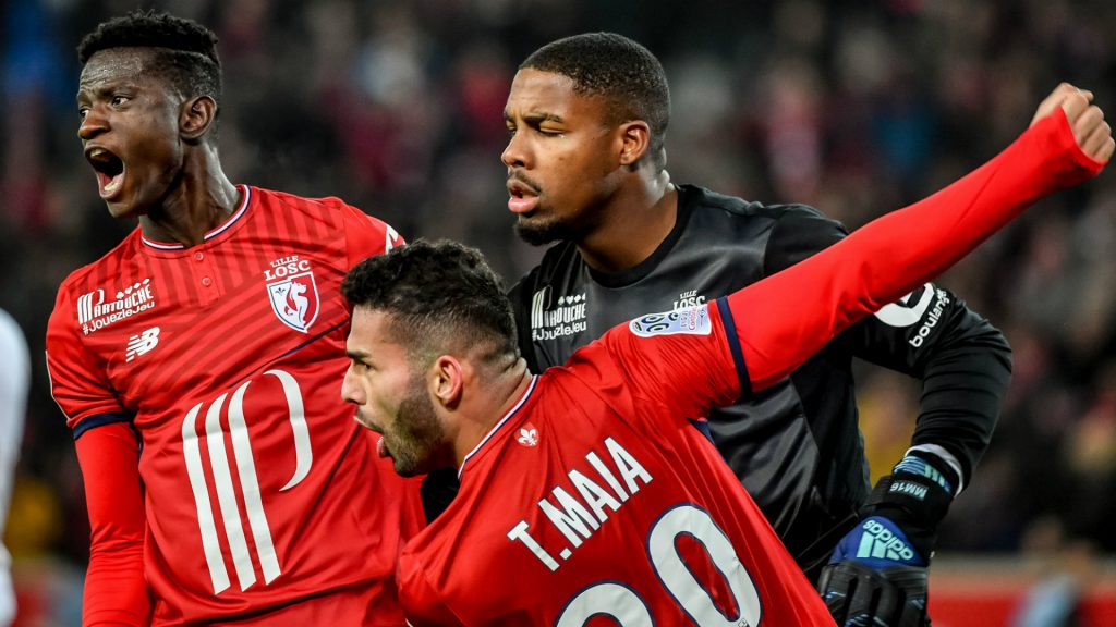 Maignan (centre) seen along with his Lille teammates.