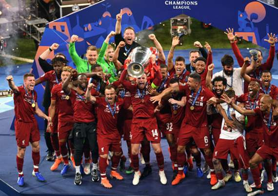 Liverpool players celebrate after winning the 2018-19 Champions League.
