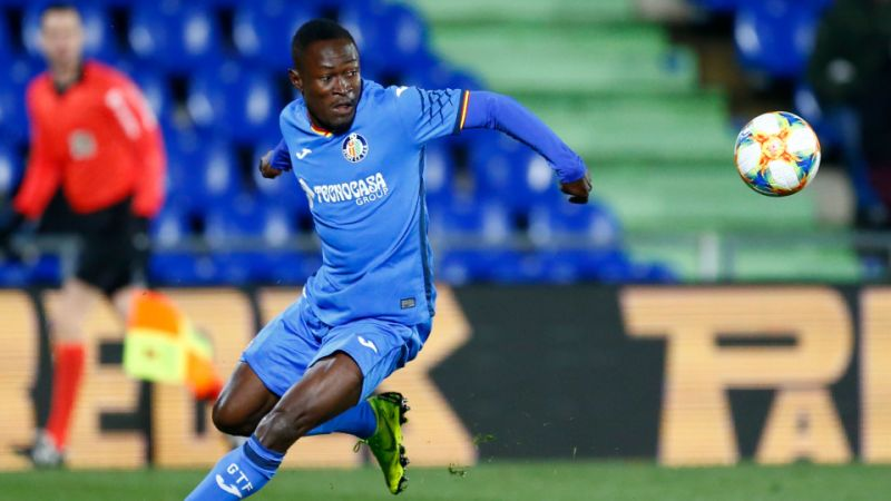 Getafe defender Djene Dakonam in action. (Getty Images)