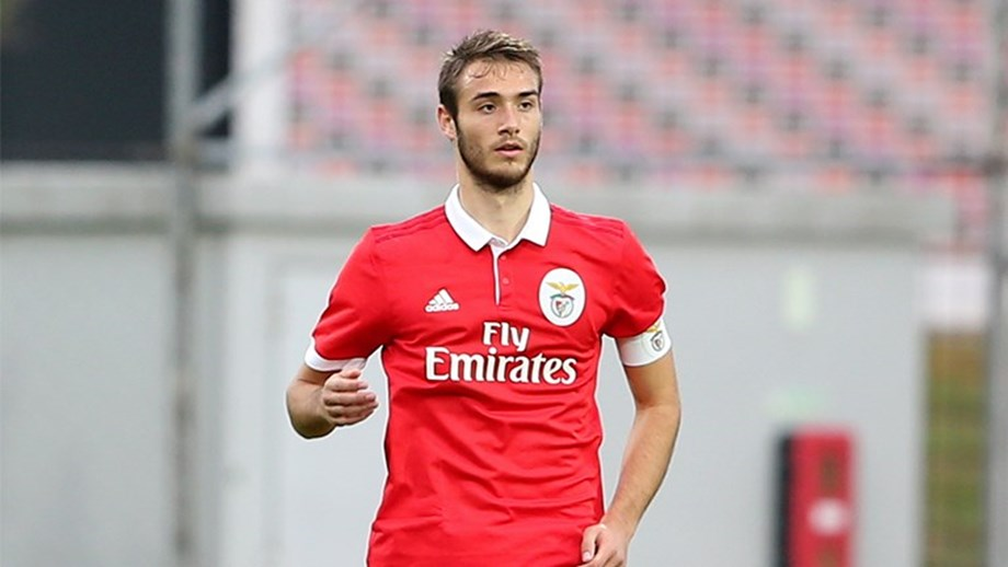 Benfica defender Ferro in action. (Getty Images)