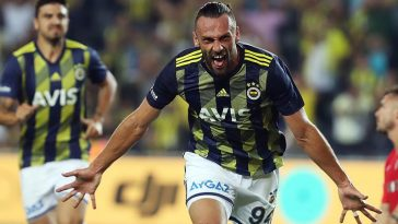 Fenerbahce striker Vedat Muriqi celebrates after scoring. (Getty Images)