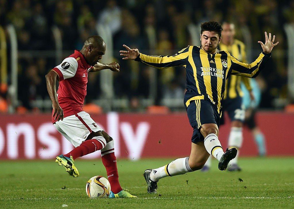 Fenerbahce midfielder Ozan Tufan in action. (Getty Images)