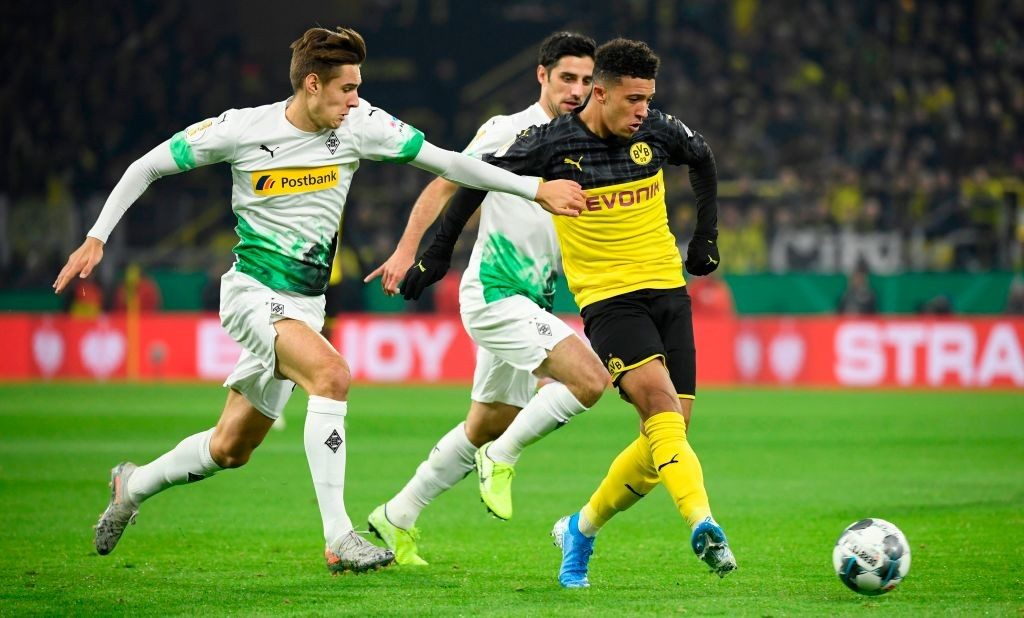 Jadon Sancho playing for Borussia Dortmund.