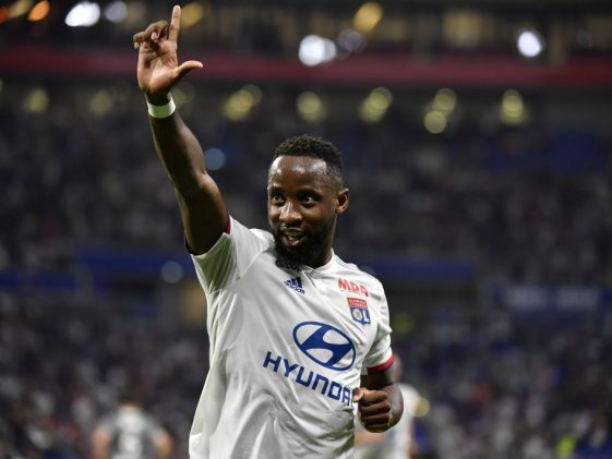 Moussa Dembele celebrates after scoring a goal during the Ligue 1 game between Lyon and Angers SCO. (Getty Images)