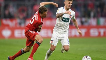 Heidenheim's midfielder Niklas Dorsch in action against Bayern Munich. (Getty Images)