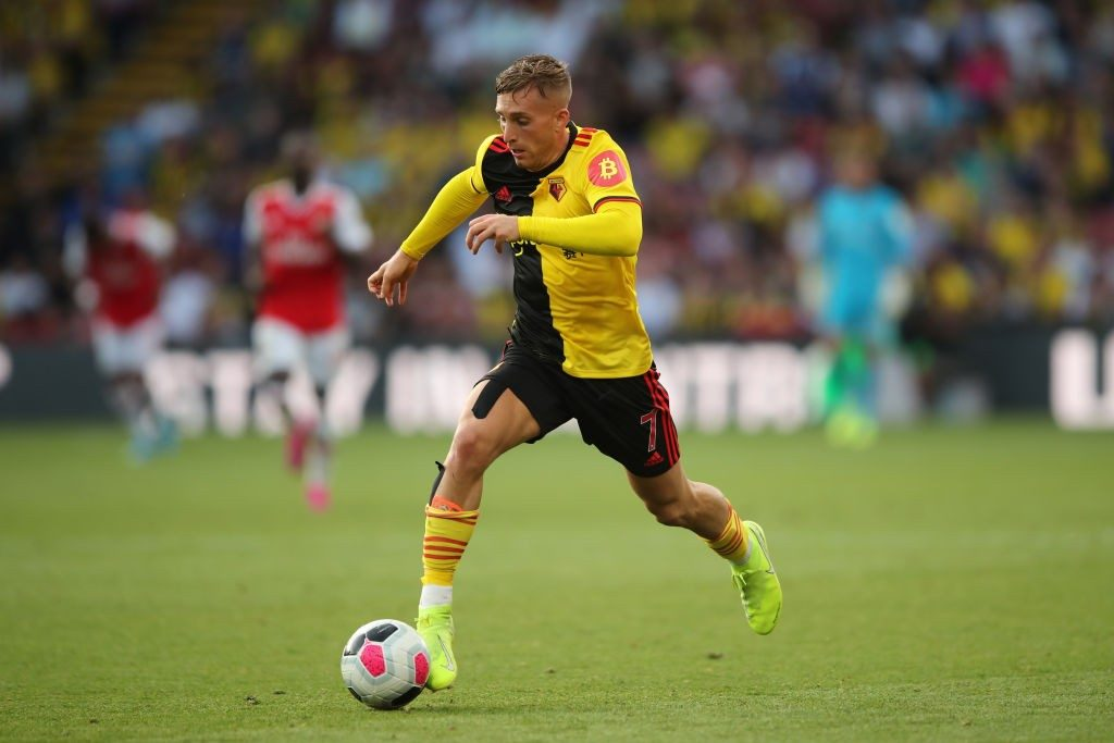 Deulofeu running with the ball.
