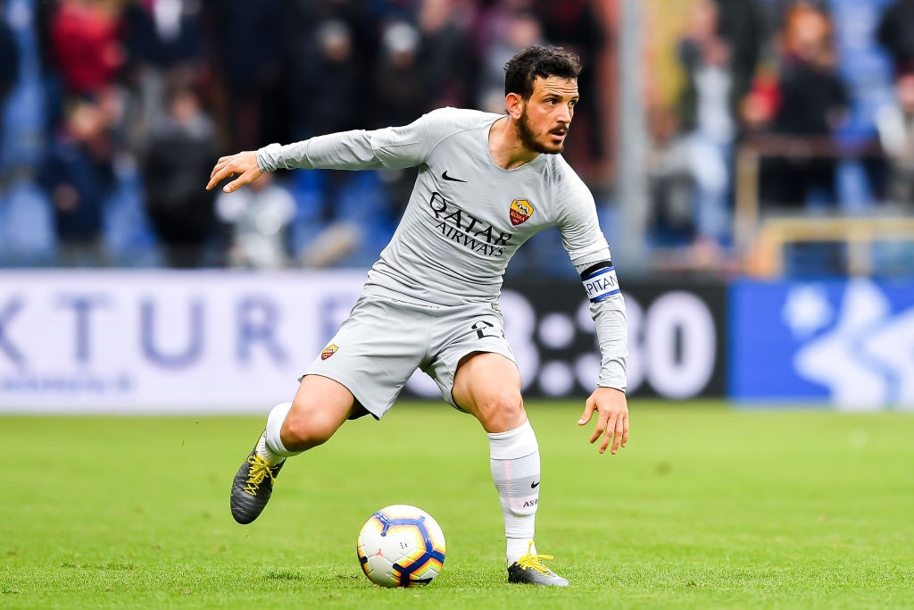 Alessandro Florenzi of Roma controls the ball during the Serie A match between Genoa CFC and AS Roma at Stadio Luigi Ferraris on May 5, 2019 in Genoa, Italy. (Getty Images)