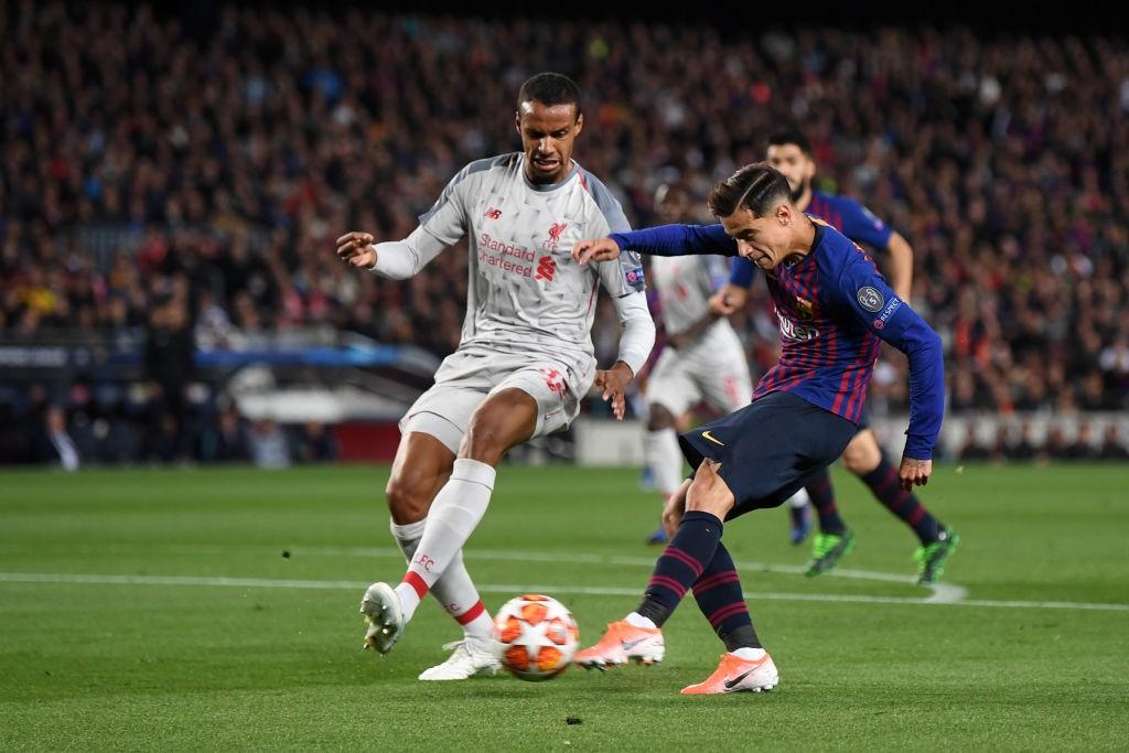 Coutinho playing for Barcelona.