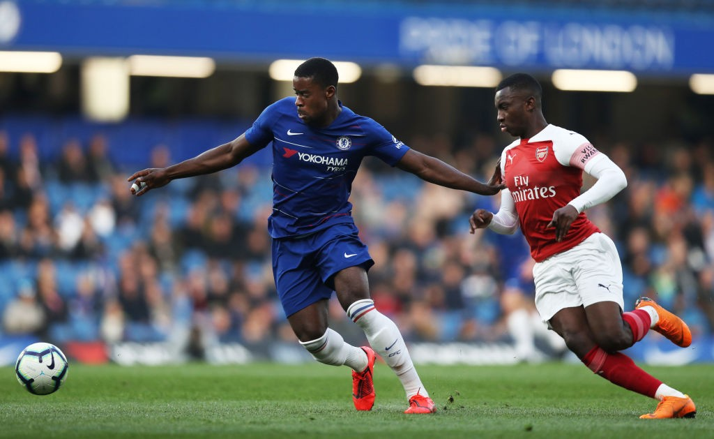 Marc Guehi of Chelsea battles for possession with Eddie Nketiah of Arsenal during the Premier League 2 match between Chelsea and Arsenal at Stamford Bridge on April 15, 2019 in London, England. (Getty Images)
