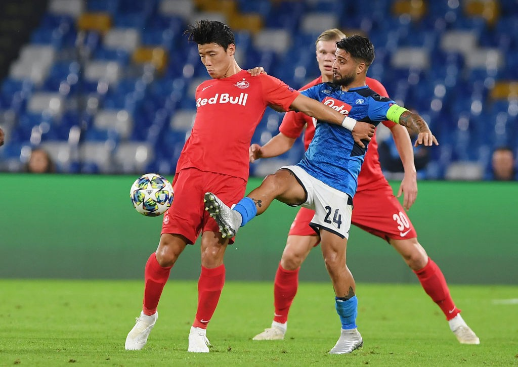 Hwang Hee-chan playing against Napoli.