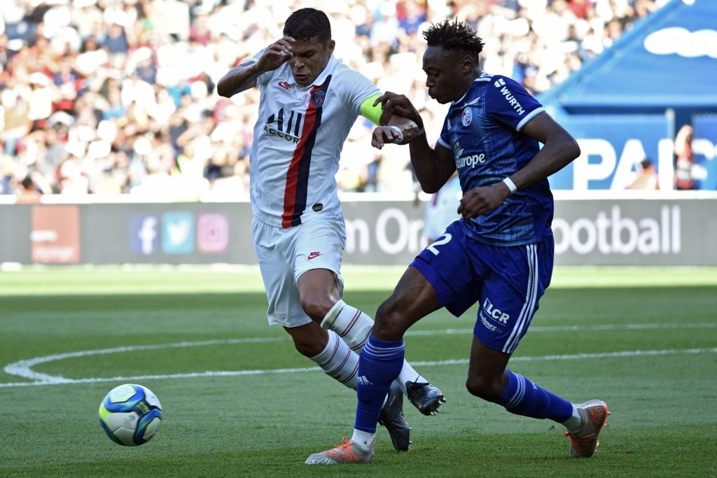 Mohamed Simakan (R) in action against Paris Saint Germain (Getty Images)